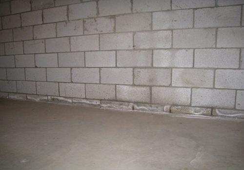 Floor-Wall Joint Leak